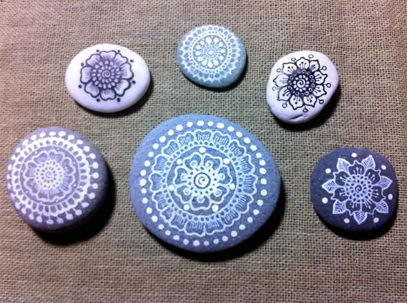 Drawing on Pebbles by     maria mercedes trujillo a