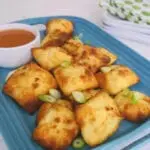 Low Carb Crab Rangoon - my version of the American Chinese popular appetizer! Made with Fathead dough. #lowcarb #lowcarbchinese #crabrangoon #ketochinese #crabrangoondip Low Carb Crab Rangoon - my version of the American Chinese popular appetizer! Made with Fathead dough. #lowcarb #lowcarbchinese #crabrangoon #ketochinese #crabrangoondip