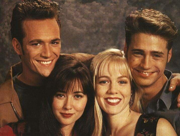 Luke Perry Jason Priestley Shannen Doherty And Jennie Garth In