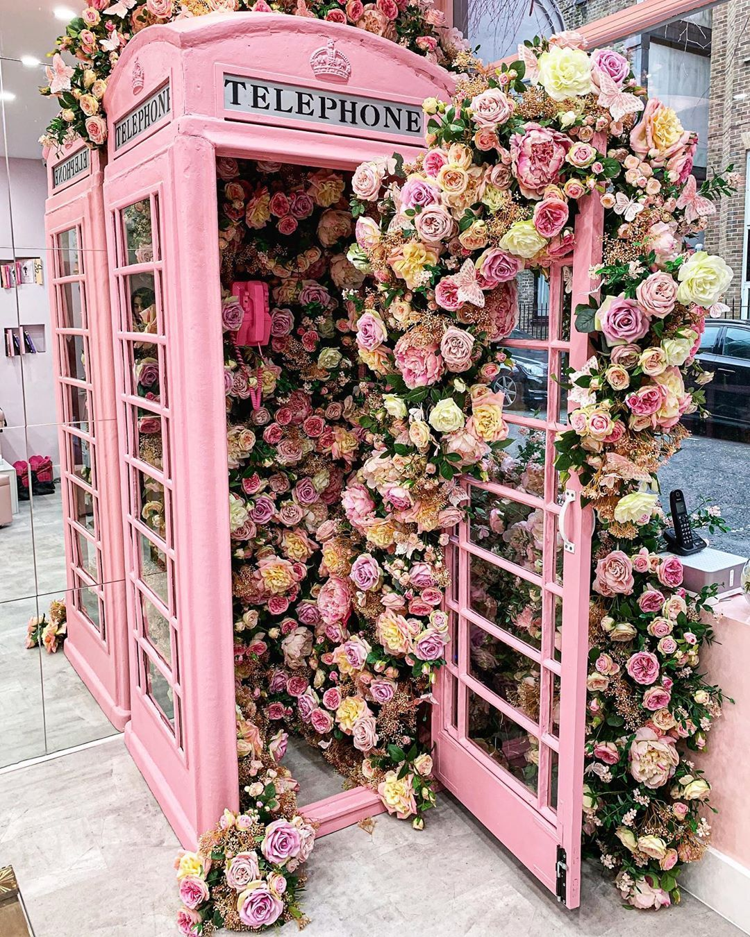 Gulshan On Instagram Ring Ring Wenaildit By Lola London In 2020 Pink Telephone Pretty In Pink Floral