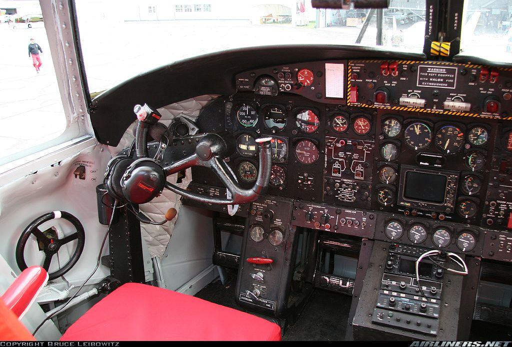 de Havilland Canada DHC-4 (C-7B) ex. US ARMY  by Bruce Leibowitz