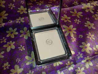 Scott Barnes Pressed Powder in Petal | Swatches | Beauty
