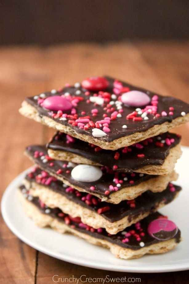 27 Adorable Valentine S Day Treats You Can Make Graham Crackers