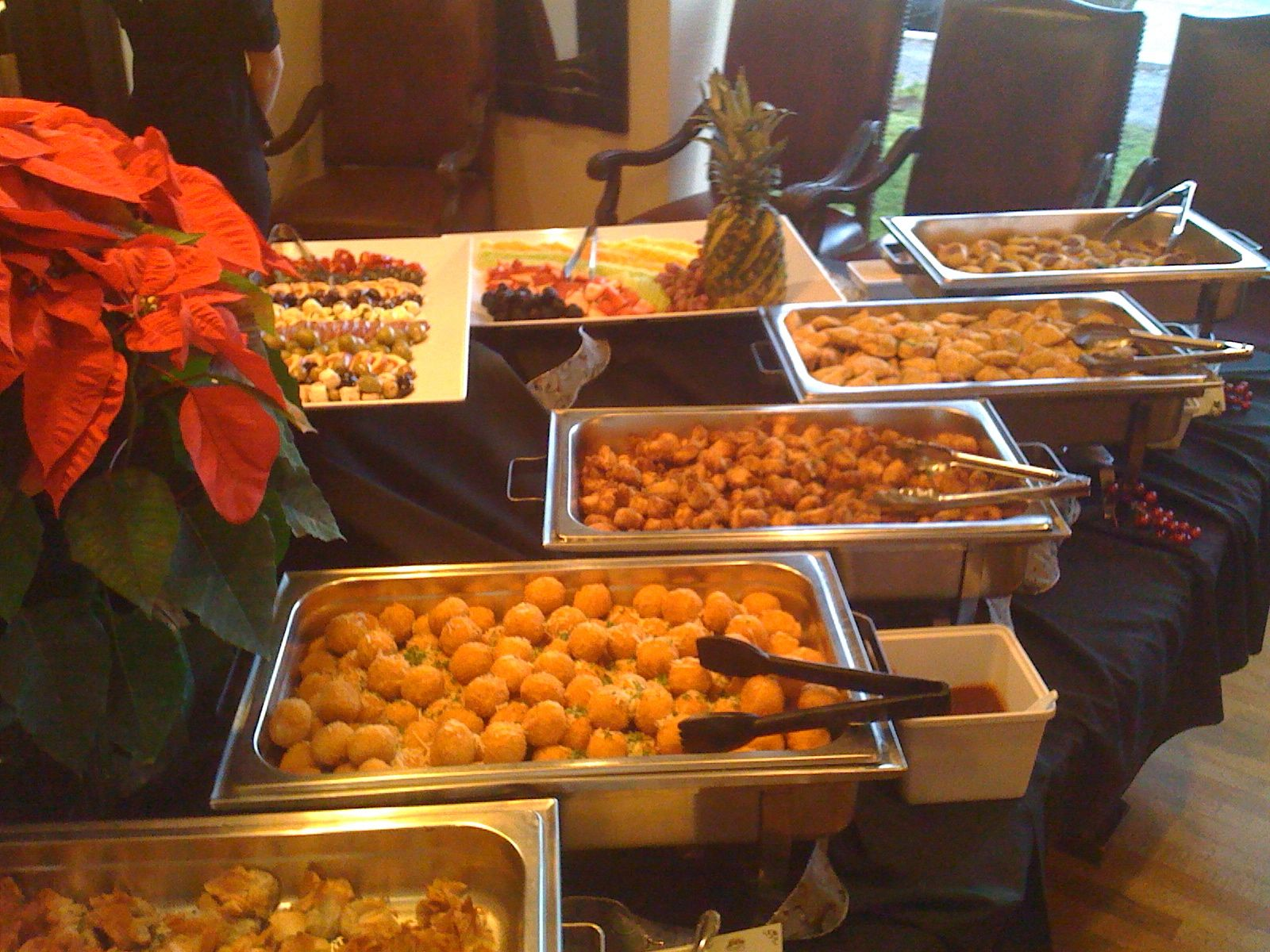 27 Mouth-Watering Winter Wedding Appetizers - crazyforus |Hot For Wedding Appetizers