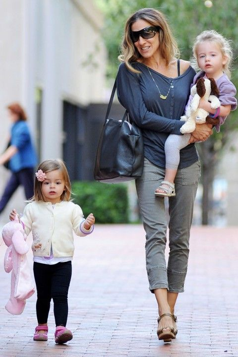 Sarah Jessica Parker is a stylish mummy with her two lovely children