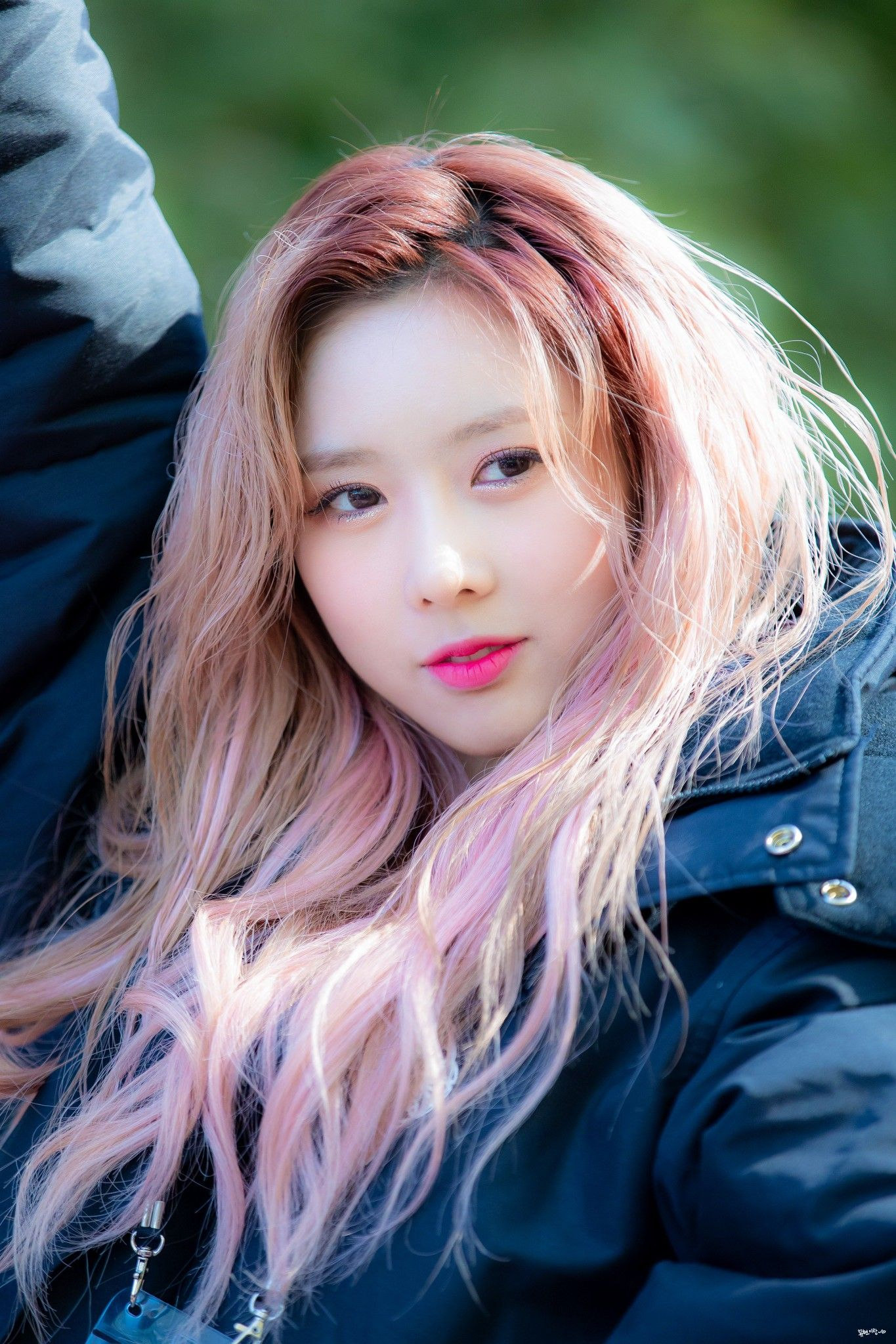 Weareoneidols Kpop Music Idol Bias Dreamcatcher Yoohyeon Dream Catcher Idol Beauty
