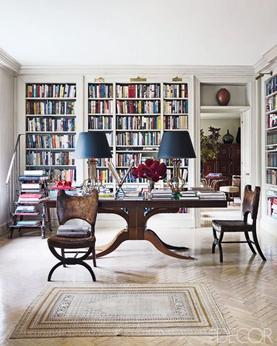NY Home Of Literary Agent Lynn Nesbit From Elle Decor Written By Julia Reed Photographed William Waldron The Shelving Ladder And Lamps In T