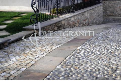 Foto smolleri di porfido pavimentazione di rampe garage