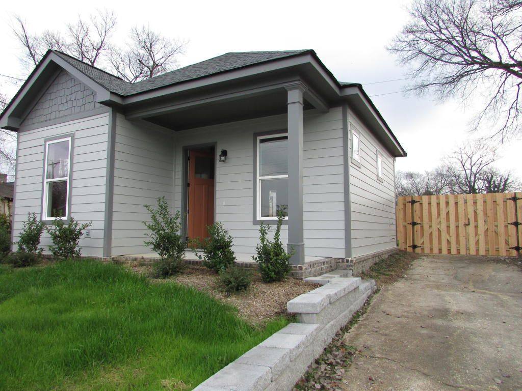 532 Sq Ft 79k Tiny Home For Sale In Chattanooga Tn Tiny House Community Small House Exteriors Tiny Houses For Sale