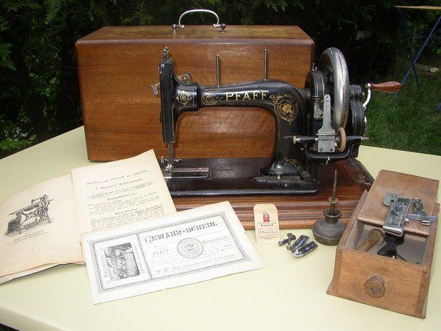 eine antike pfaff hand n hmaschine zubeh r sewing. Black Bedroom Furniture Sets. Home Design Ideas