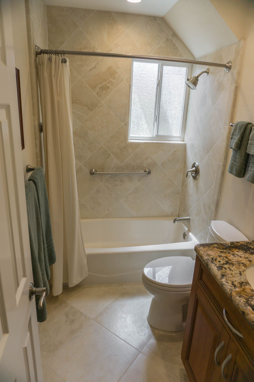 Upstairs bath shower. Bath design & remodeling by Danilo Nesovic, Designer · Builder (dndb.info)