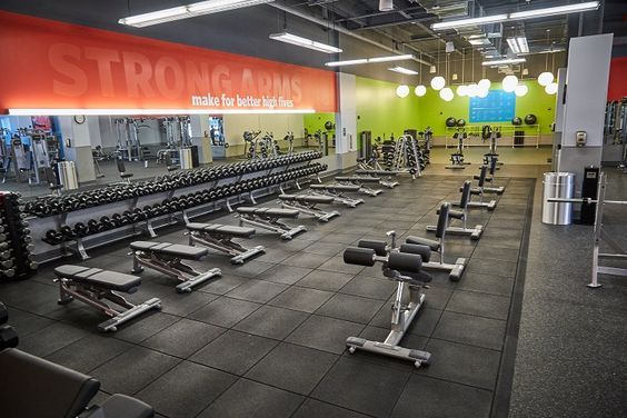Popular Wallet Friendly Gym Blink Fitness Opens Their Newest Blink Fitness Commercial Lighting Design Custom Light Fixtures