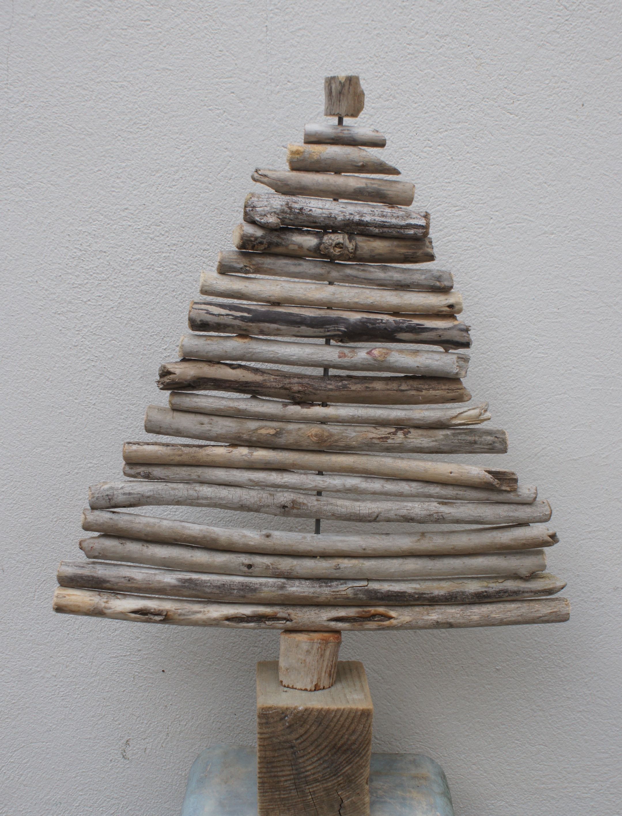 tannenbaum aus treibholz treibholz pinterest. Black Bedroom Furniture Sets. Home Design Ideas
