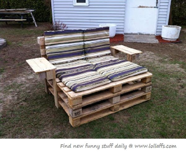 Recycled furniture for out by the pool maybe? autumn\u0027s room ideas - muebles de jardin con tarimas