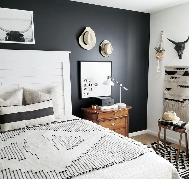 Black is such an important design element in interior design. So let's talk about 5 simple and creative ways to incorporate black in interior design to help ground your space and provide dimension in your home.