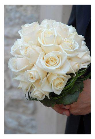 Bouquet Sposa Rotondo.Bouquet Sposa Candido Di Rose Bianche Bouquet Piccolo E