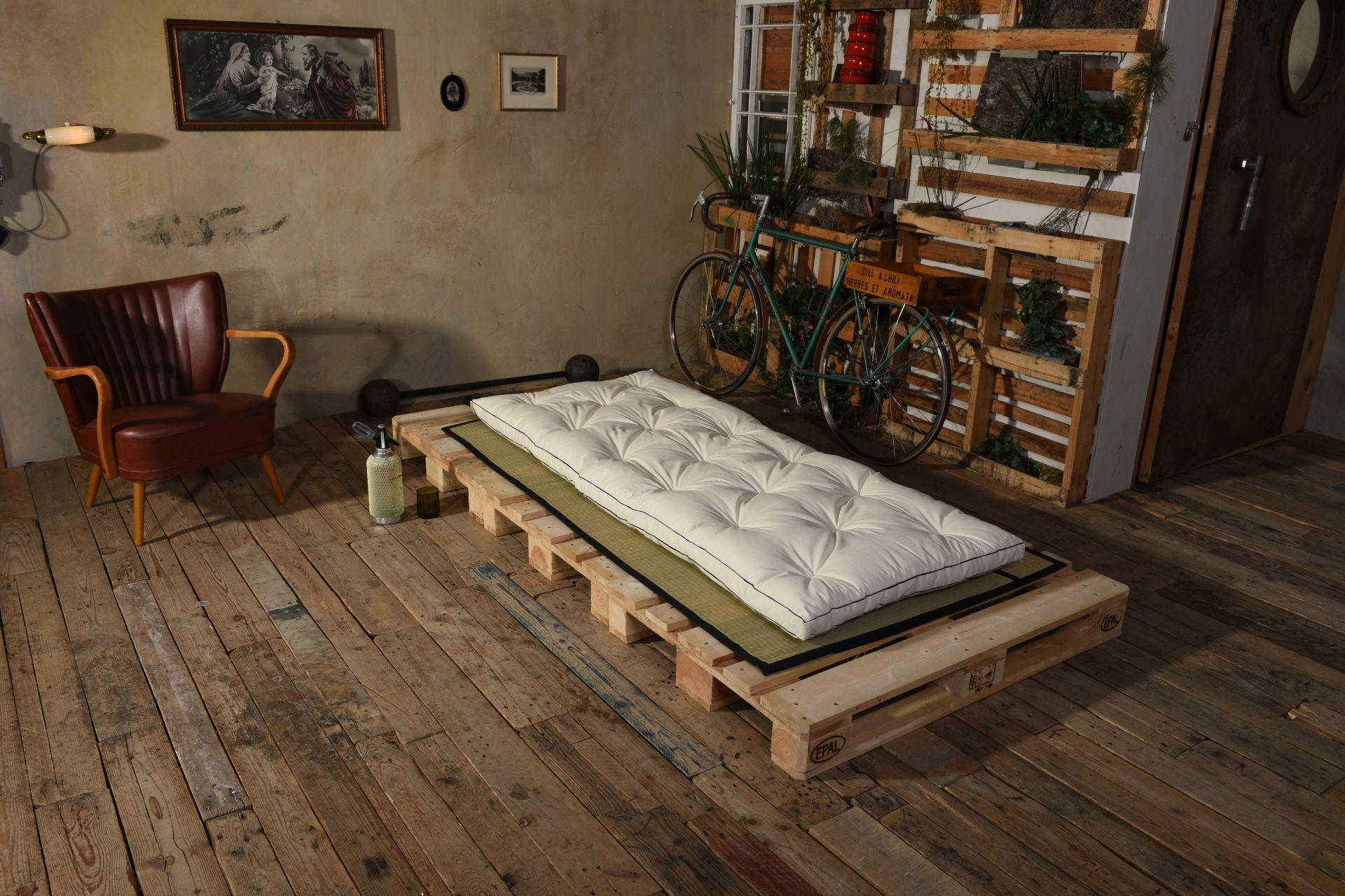 shiatsu futon matte mit baumwolle zum rollen massagematte shiatsu matte rollbar massage. Black Bedroom Furniture Sets. Home Design Ideas