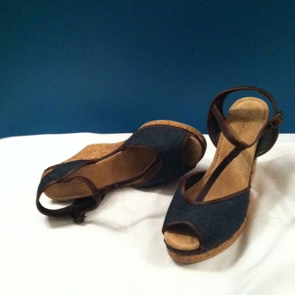 Denim and leather Max and Co. Wedges! Size 9 These adorable Max & Co. Wedges have a cork platform wedge along with a denim upper with brown  leather trim. I only wore them once to see Gwen Stefani in Las Vegas! Shoes