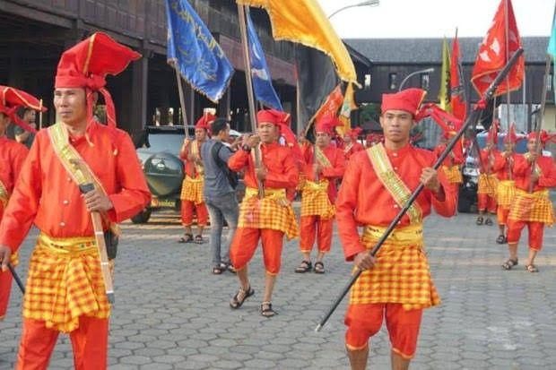 Pin On Baju Makassar
