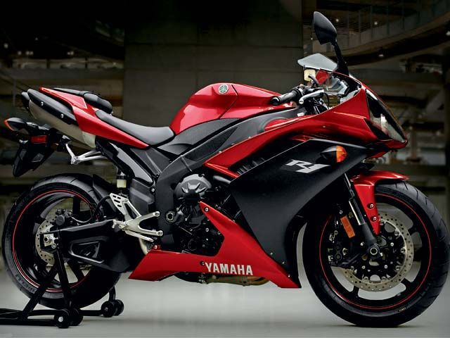 Yamaha R D Model