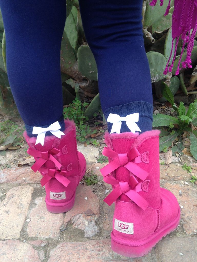 Purple dress socks  Supercute socks with bows Get yours SCHOLARSOX Share with