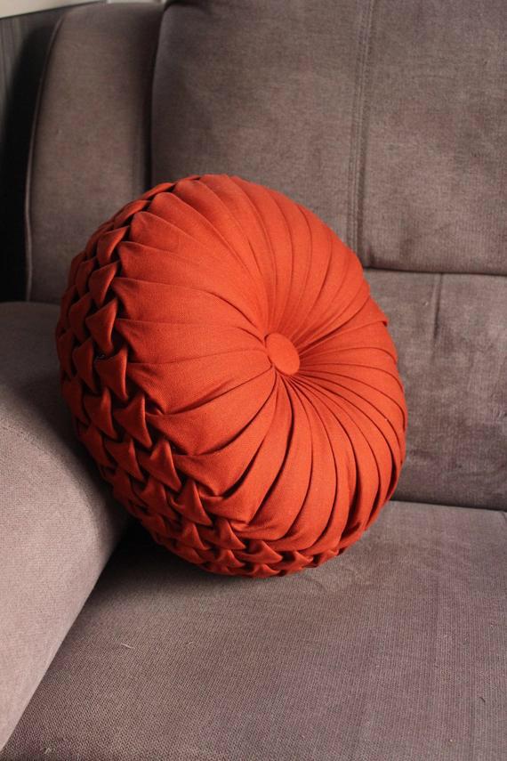 Linen cotton round pillow