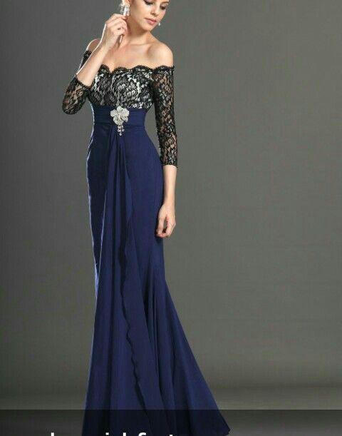 ea643010e6 Vestido elegante de noche azul marino y blanco con encaje negro perfecto  para una gala de noche tiene ese toque de moderno pero a la vez elegante