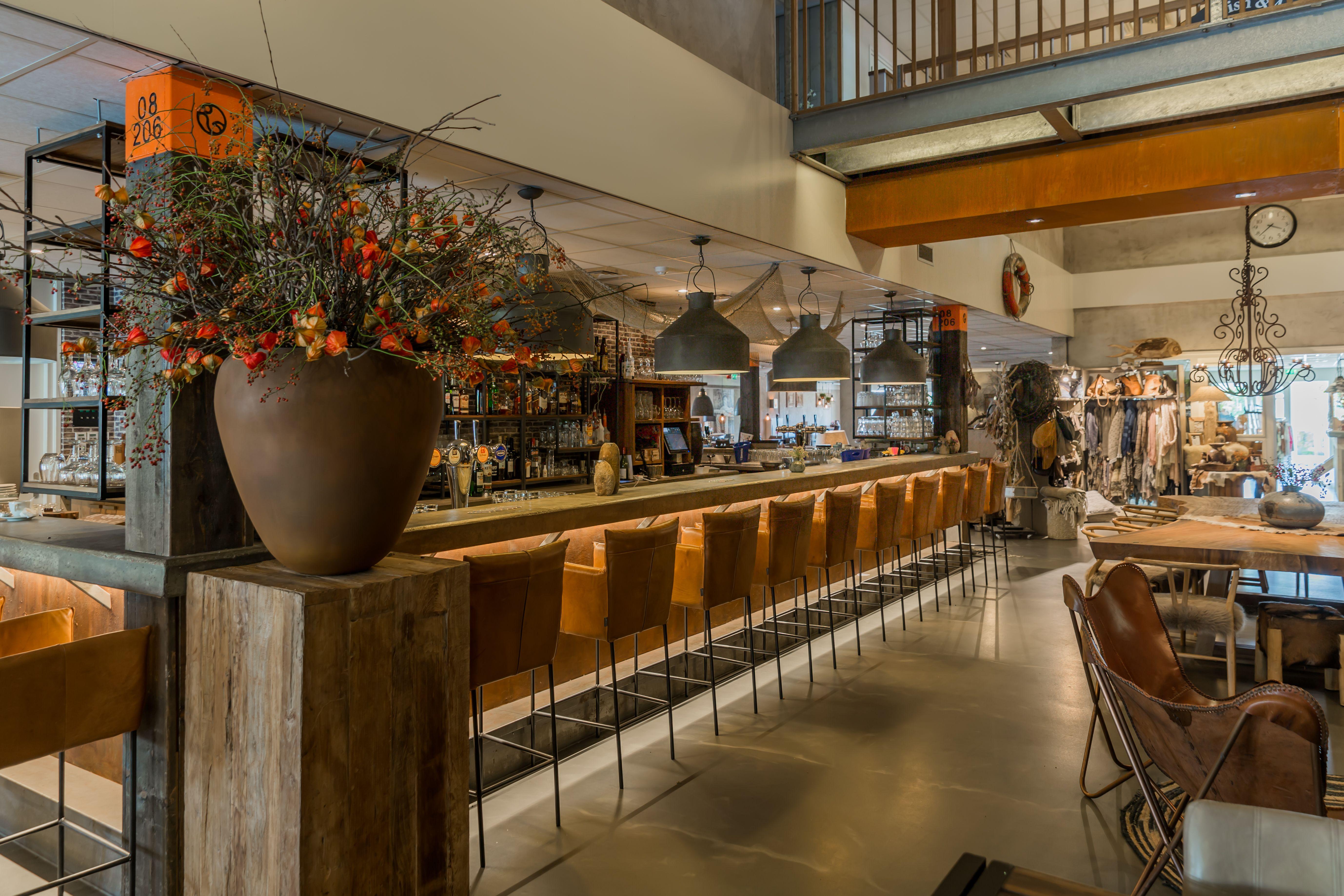 Dit is Strand Cafe DOK in Renesse op Strandpark De Zeeuwse Kust.