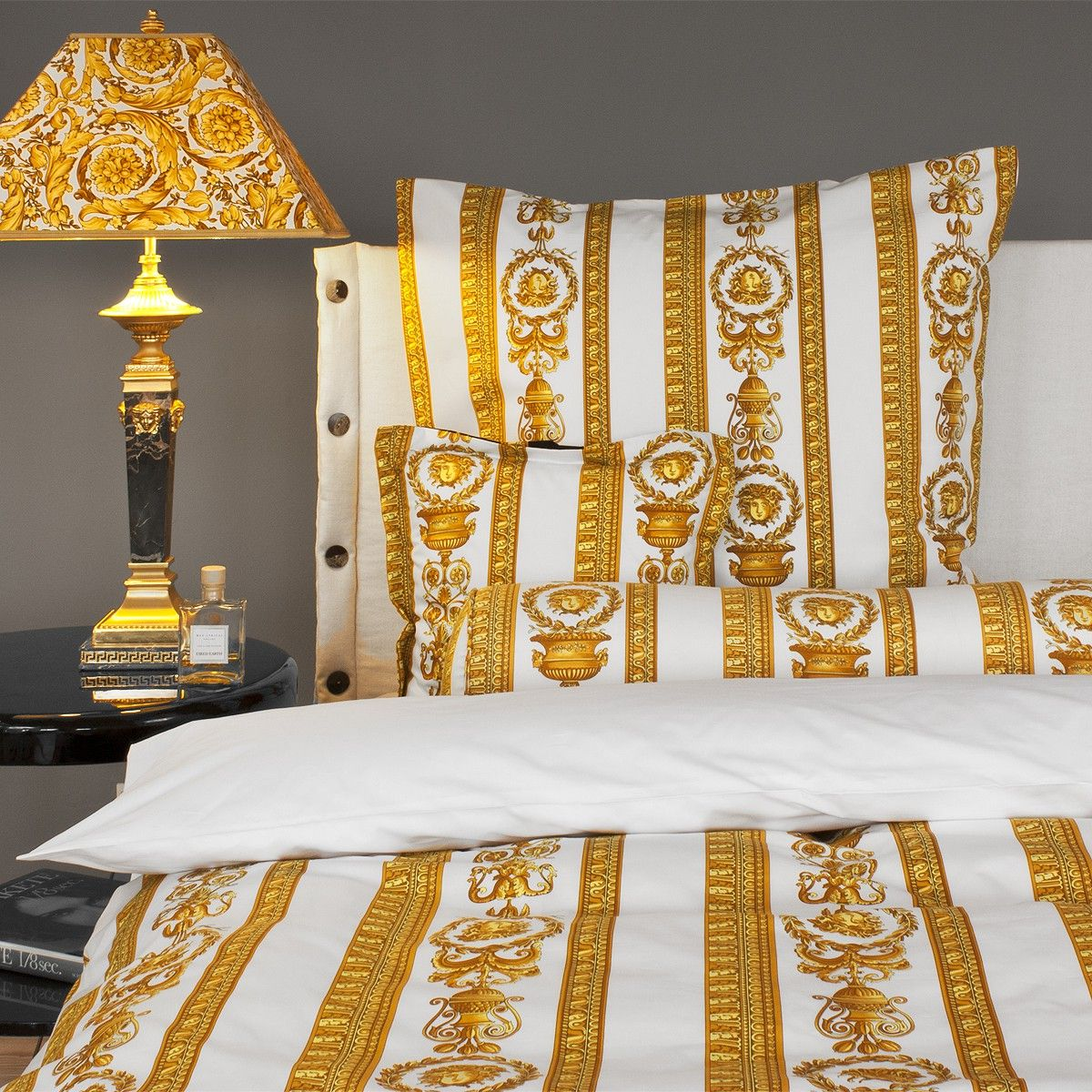versace bettw sche medusa versace home pinterest. Black Bedroom Furniture Sets. Home Design Ideas