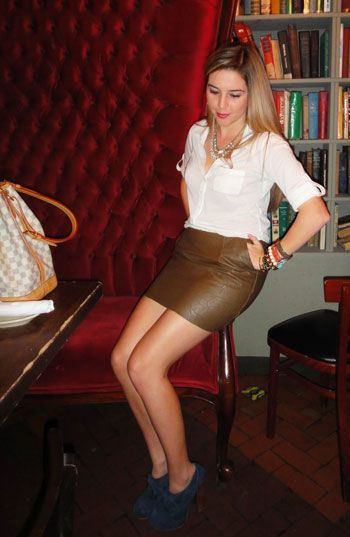 Leather skirts should be shop under fashion expert advices and considerations as it keeps us away from the any such malfunction or fashion faux pas.