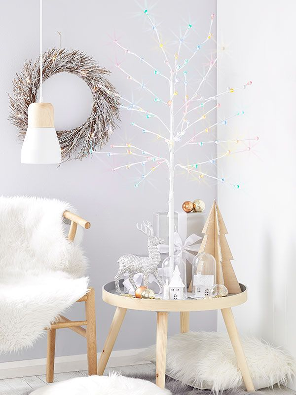 3 Top Tips To Decorate Small Spaces This Christmas Kmart Christmas Room Decor Scandi Christmas Decorations Outside Christmas Decorations
