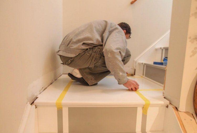 Comment peindre rapidement un escalier en bois ? Hallway pictures - peindre avant de tapisser