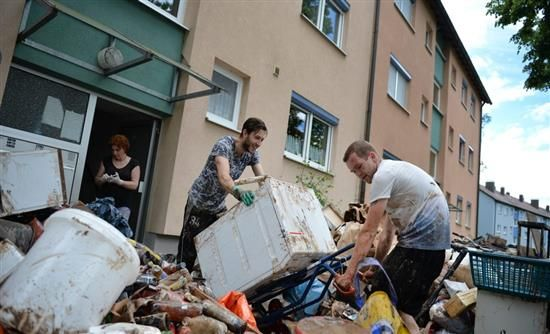 [Real]: Γερμανία: 5 νεκροί από τις πλημμύρες | http://www.multi-news.gr/real-germania-5-nekri-apo-tis-plimmires/?utm_source=PN&utm_medium=multi-news.gr&utm_campaign=Socializr-multi-news