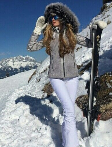 Model Kelly Simpkin Wearing Sportalm Semiflumes Ski Jacket   Emmegi Hilla  Ski Pants. ed64aa04d04dd