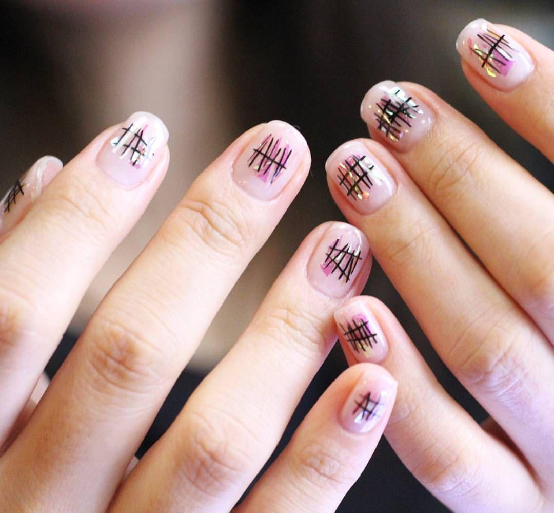 [#유니스텔라트랜드]✨ #오늘네일뭐하지? #유리조각네일 #낙서네일✏ #유리조각의 #무한변신 #unistella #daily_unistella #daily_unismani #glassnails #graffitinails #NOTD ✔유니스텔라 내의 모든 이미지를 사용하실때 사전 동의, 출처 꼭 밝혀주세요❤
