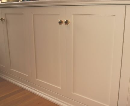 built in media cabinet. like the door style (not the knobs). [jeff