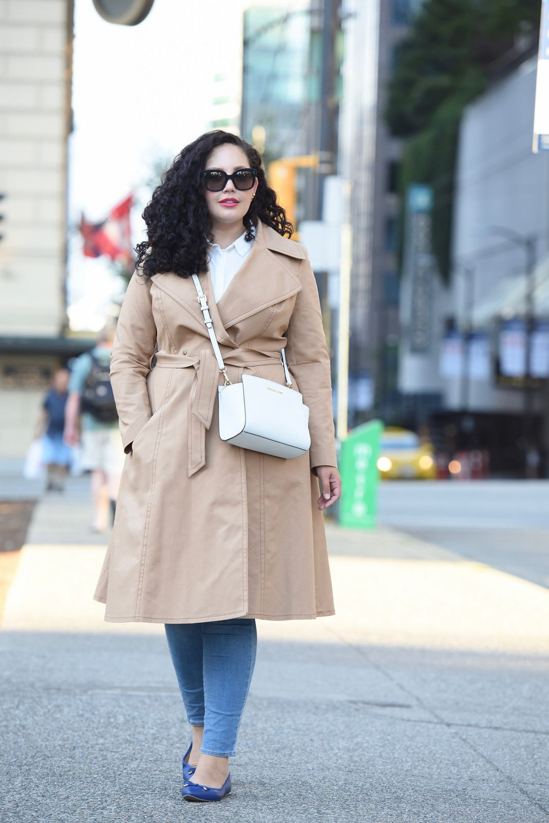 8217846782a Tanesha Awasthi (Girl with Curves) wearing a trench coat