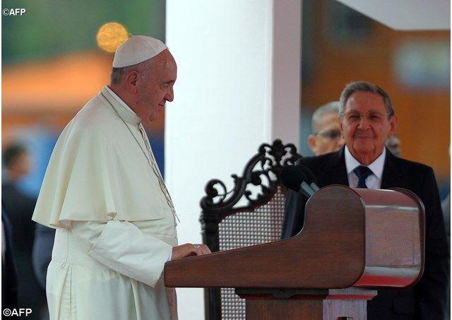 """""""El mundo necesita reconciliación en esta atmósfera de tercera guerra mundial"""", el Papa a su llegada a CubaRadio Vaticano"""