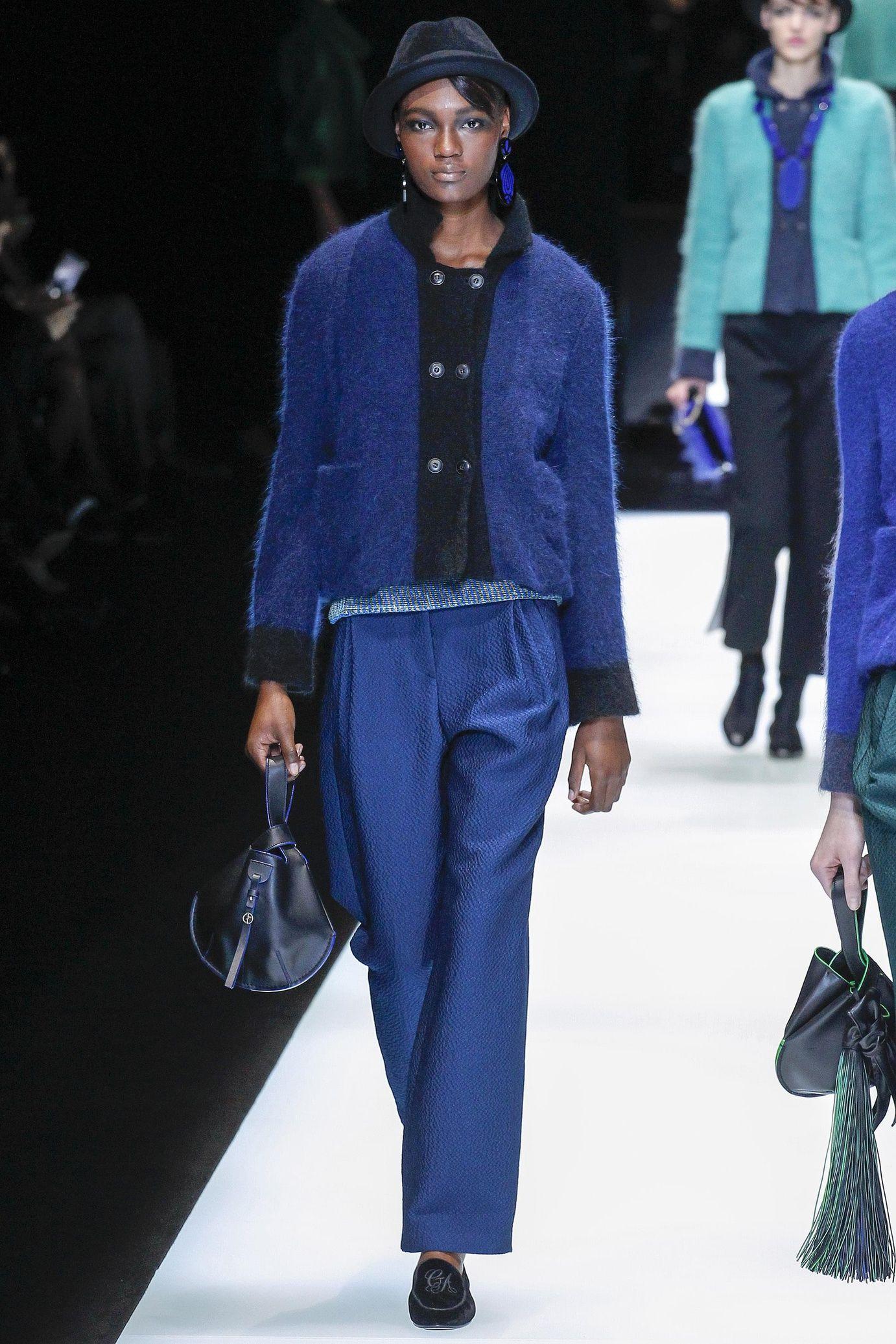 Défilé Giorgio Armani prêt-à-porter femme automne-hiver 2017-2018 26