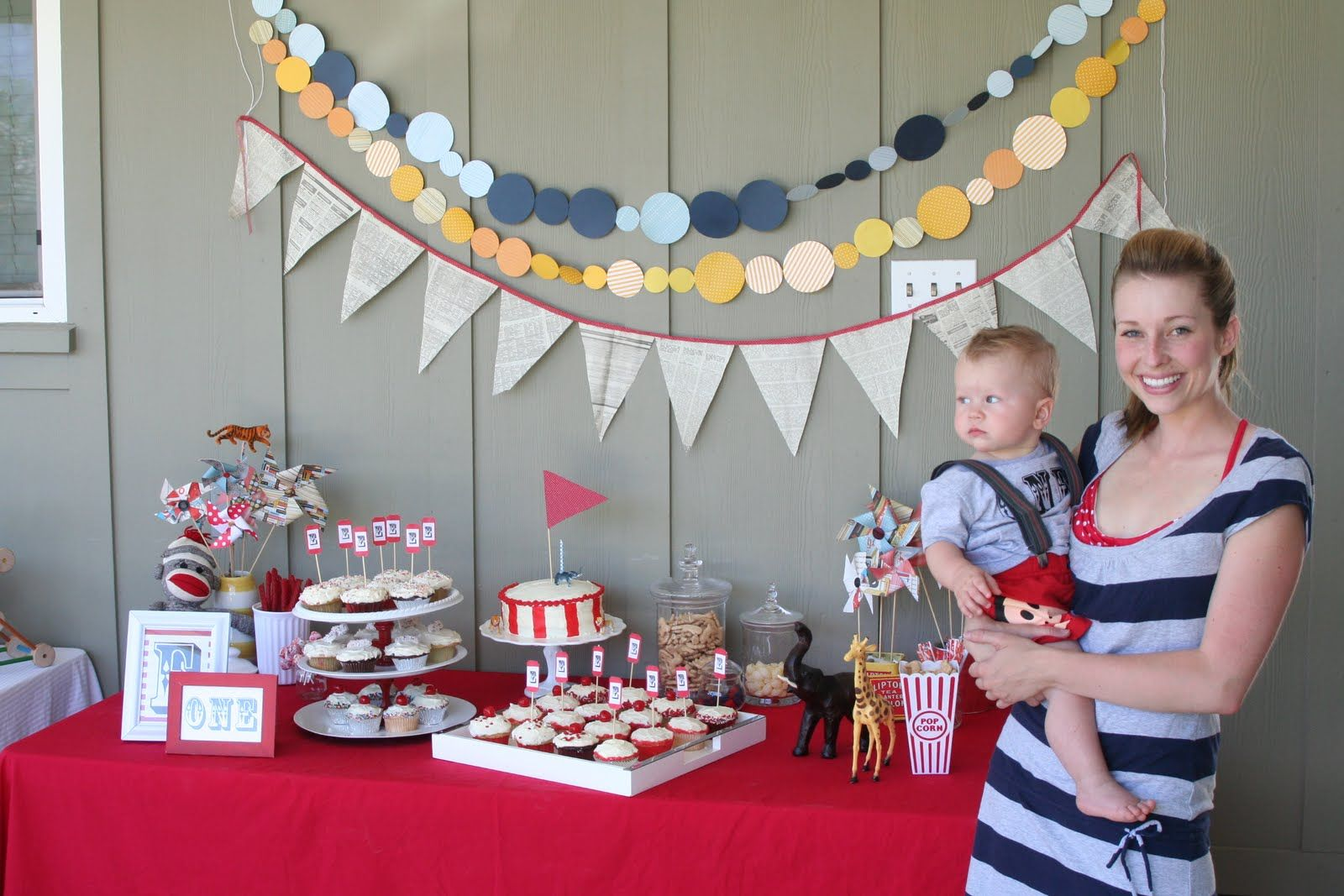 Ignore that chick and baby this is a super cute crafty circus theme