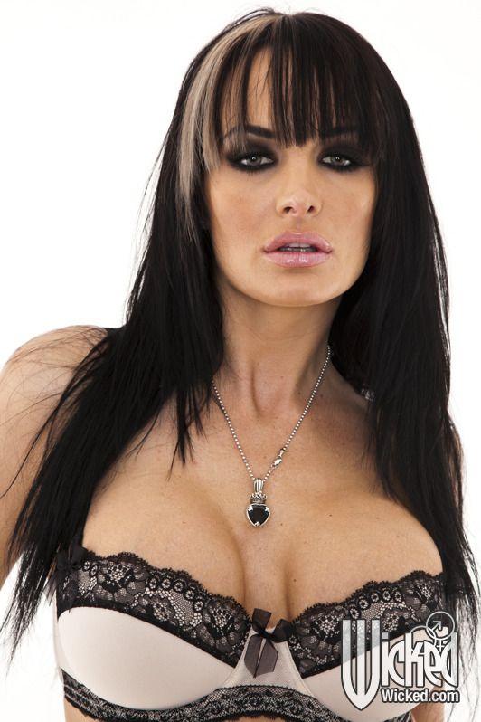 Com Nikki Benz Lisa Ann Reservoir Sluts