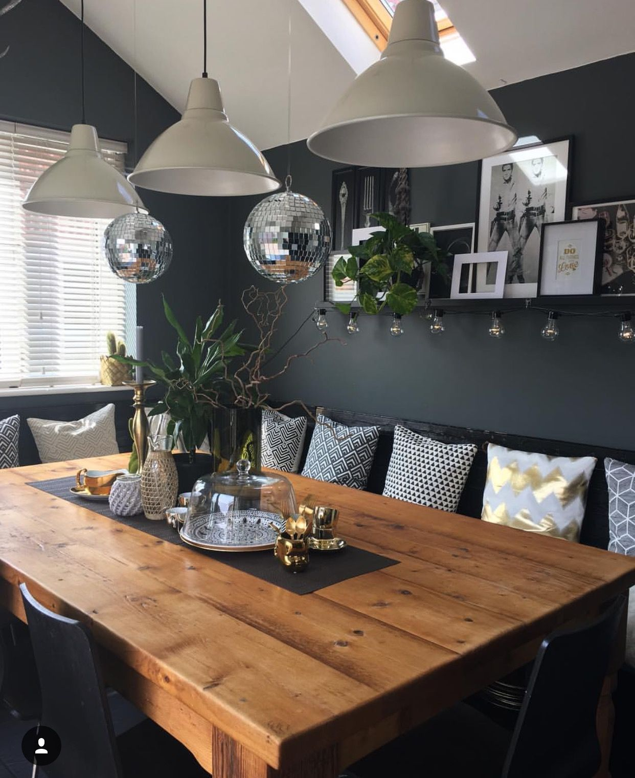 The Girl With The Green Sofablog Homethe Fabulously Dark And Moody Style Of Nadia Dining Room Centerpiece Diy Dining Room Diy Dining