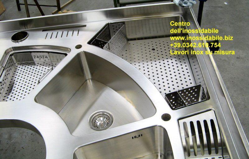 Piano cucina costruito su misura in acciaio inox | Centro dell ...