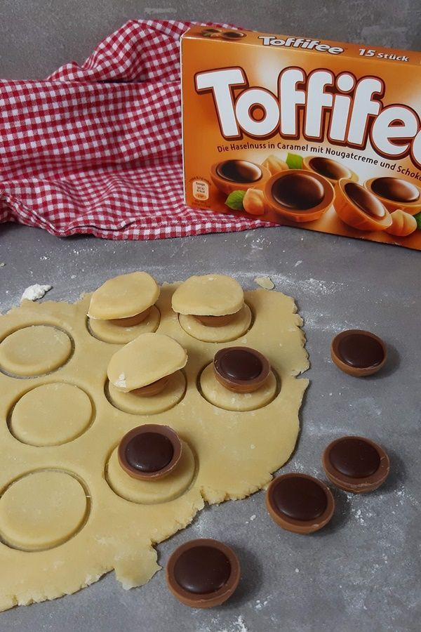 Photo of Toffifee in the biscuit dough – these biscuits surprise everyone – event planning
