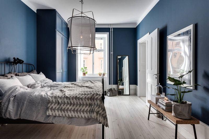 a blue bedroom id e appartement schlafzimmer dunkelblaues schlafzimmer et gem tliches. Black Bedroom Furniture Sets. Home Design Ideas