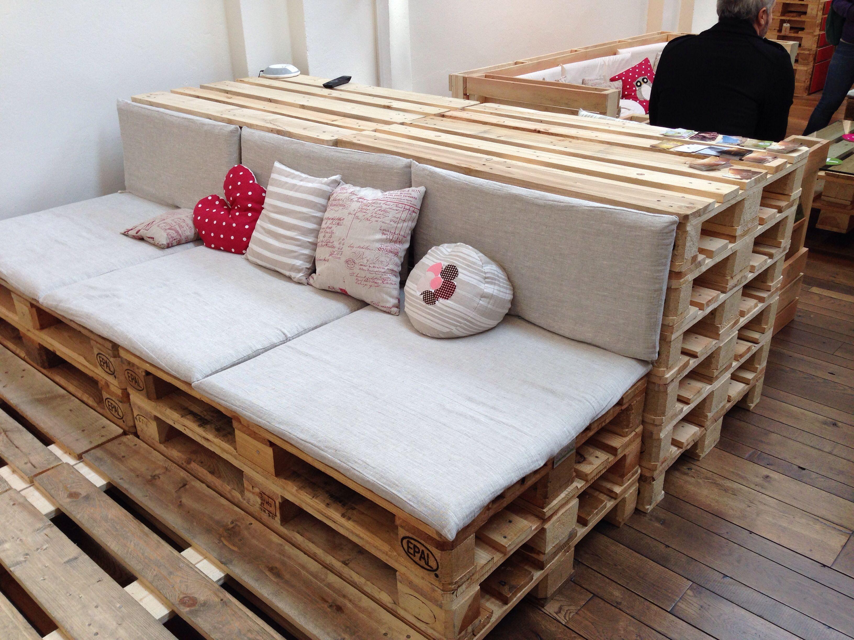 Divano pallet salone e fuori salone milano 2014 divano for Divano in pallet