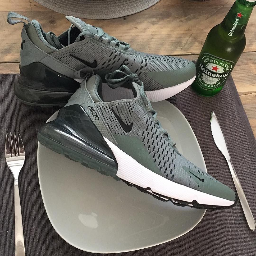 Nike Airmax 270 x Essential • These are