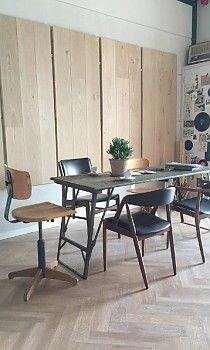 Floors shop Vloer& in Haren. Interior design by Sabine Burkunk/ Buro Binnenhuis - Resultaat inrichten vloerenwinkel Haren » Buro Binnenhuis