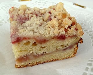 *Rook No. 17: recipes, crafts & whimsies for spreading joy*: The Best Strawberry-Rhubarb Crumb Cake