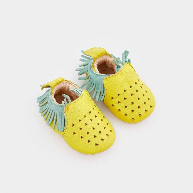 e6e2bd9ff9a5c Image 1 du produit Chaussons ananas. Image 1 du produit Chaussons ananas Chausson  Bébé Fille